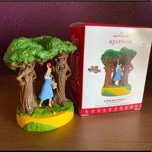 Wizard of Oz A Few Bad Apples Hallmark Ornament